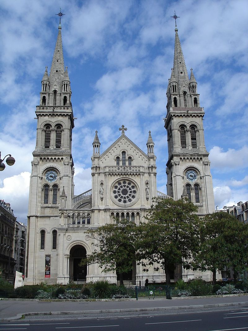 Saint-Ambroise : église inspirée du style roman
