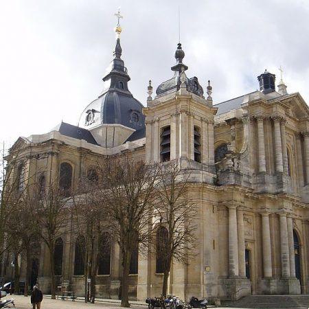4 langues pour la cathédrale de Versailles